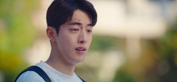 Bị ép rời xa Suzy, Nam Joo Hyuk đánh bầm mặt nam phụ quốc dân ở Start Up tập 12 - Ảnh 8.