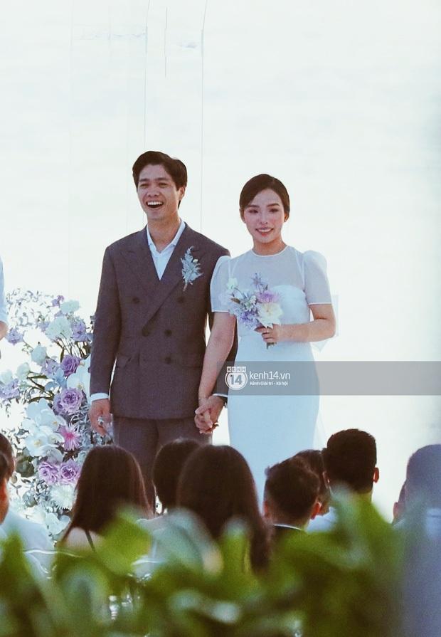 Khoảnh khắc ăn tiền nhất đám cưới Công Phượng - Viên Minh: Đáng đạt điểm tuyệt đối vì quá rực rỡ, hạnh phúc và tinh tế - Ảnh 5.
