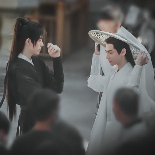 Chỉ với hành động nghịch dây buộc tóc La Vân Hi ở hậu trường Hạo Y Hành, Trần Phi Vũ khiến bà con bấn loạn - Ảnh 7.