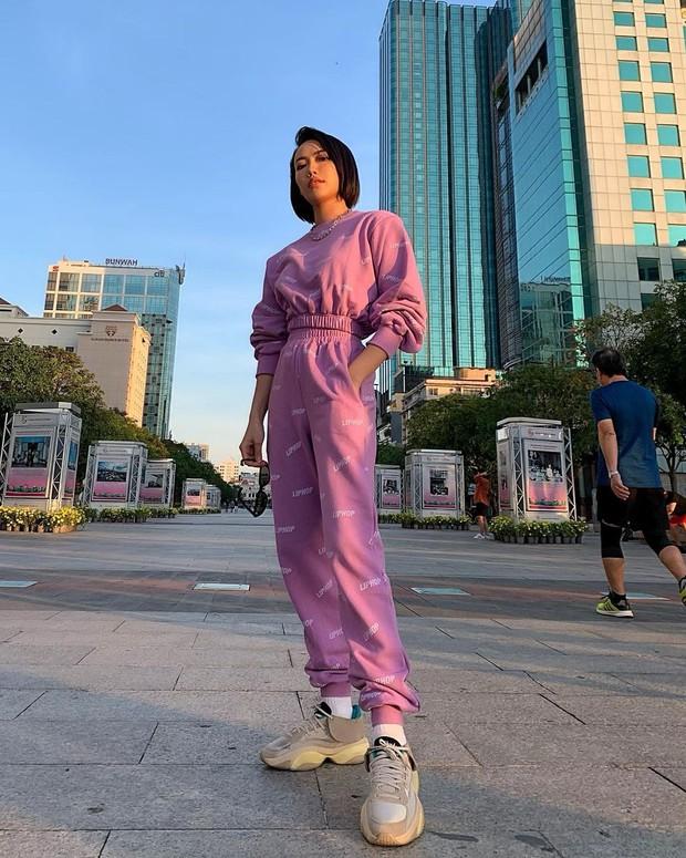 """Tóc Tiên, Linh Ka chênh nhau cả giáp vẫn đụng hàng """"nảy lửa"""", lại xuất hiện trên Instagram của thương hiệu Hàn - Ảnh 5."""
