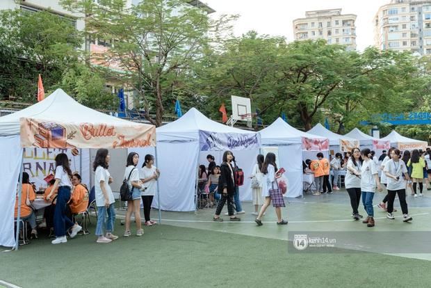 Lần đầu tiên Hà Nội xuất hiện hội chợ sở thích cho giới trẻ, đi tay không nhưng ai cũng có quà đem về - Ảnh 1.