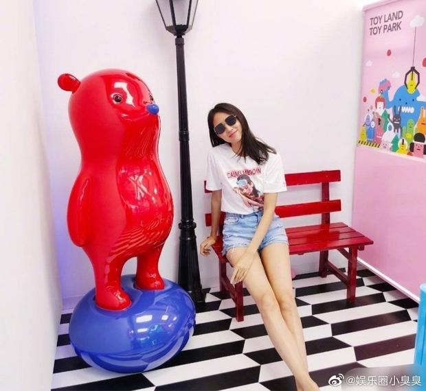 Tiểu công chúa 4 tuổi nhà Hoa hậu Thế giới Trương Tử Lâm gây sốt với chiều cao vượt trội, hứa hẹn trở thành mỹ nhân tương lai - Ảnh 8.
