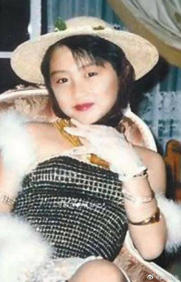 Không thể tin được đây là ảnh hồi bé của tài tử Tạ Đình Phong: Xinh như công chúa, lại còn quá giống Quan Hiểu Đồng - Ảnh 2.