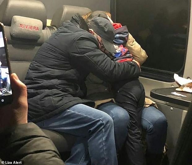 Con trai 7 tuổi mãi không về nhà, 2 tháng sau được tìm thấy cách nhà 14km, thái độ của kẻ bắt cóc và nạn nhân gây khó hiểu - Ảnh 4.