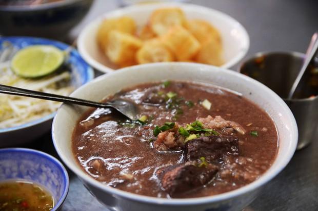 4 hàng cháo lòng ngon nức tiếng Hà Nội nhưng chưa chắc chị em đã biết, đến ăn ngay cho ấm bụng ngày đông rét đi nào! - Ảnh 5.
