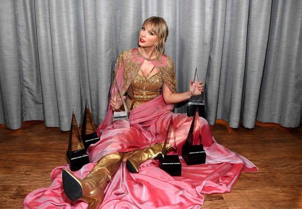 Kết quả lễ trao giải AMAs 2020: BTS thắng giải quá quen, Taylor Swift đạt giải lớn nhưng vẫn thụt lùi, Ariana Grande lại trắng tay - Ảnh 4.