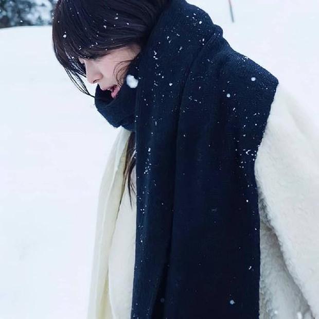 Song Hye Kyo tung clip đẹp mê hồn kèm đoạn thơ dài về tình yêu, nhưng sao dân tình lại réo gọi Song Joong Ki? - Ảnh 6.