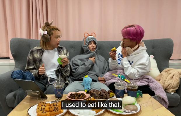 Hendery (NCT) sốc khi biết người Hàn ăn khoai lang với kim chi, còn bị thành viên cùng nhóm dụ ăn thử cực nhiệt tình - Ảnh 4.