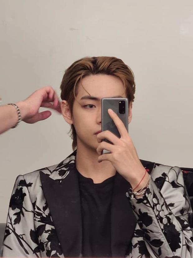 Soái thì chụp bừa góc tường cũng soái: Nam thần Kpop đẹp nhất thế giới vừa khiến triệu fan mê mệt chỉ với 2 bức selfie như thế! - Ảnh 6.