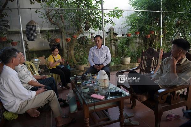Độc quyền phỏng vấn bố mẹ Đỗ Thị Hà: Hé lộ lý do bật khóc ở đêm Chung kết, làm rõ loạt ồn ào và tình trạng yêu đương của Tân Hoa hậu - Ảnh 13.