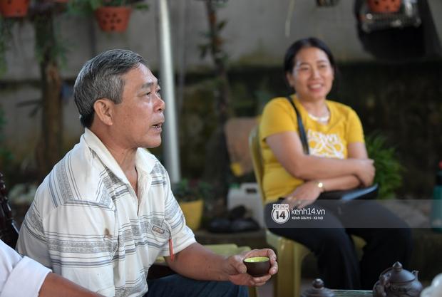 Độc quyền phỏng vấn bố mẹ Đỗ Thị Hà: Hé lộ lý do bật khóc ở đêm Chung kết, làm rõ loạt ồn ào và tình trạng yêu đương của Tân Hoa hậu - Ảnh 12.