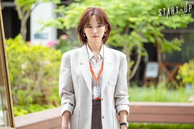 Chẳng phải hai nam thần, chị gái đành hanh Kang Han Na mới là người âm thầm quan tâm Suzy ở Start Up - Ảnh 1.