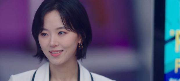 Chẳng phải hai nam thần, chị gái đành hanh Kang Han Na mới là người âm thầm quan tâm Suzy ở Start Up - Ảnh 17.