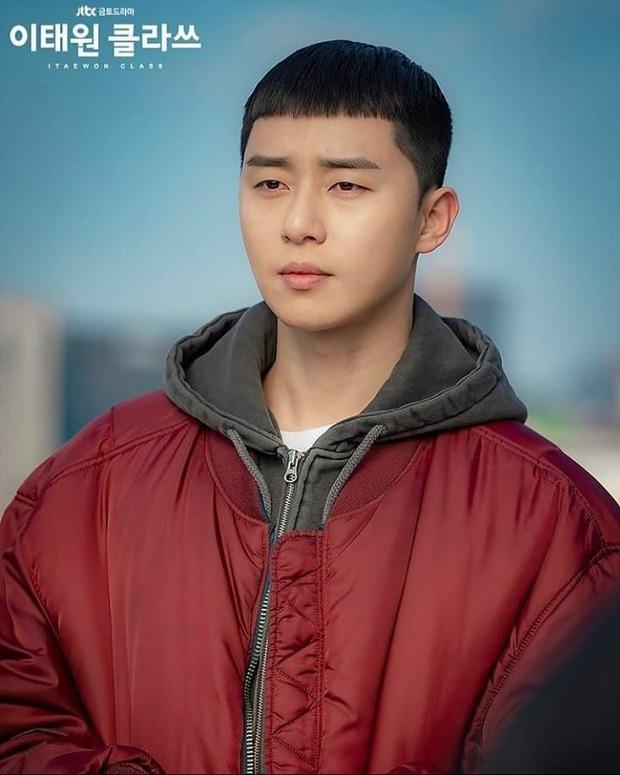 6 phim Hàn chuyển thể từ webtoon hay nức nở: Tầng Lớp Itaewon, True Beauty làm cả châu Á chia phe chính - phụ - Ảnh 3.