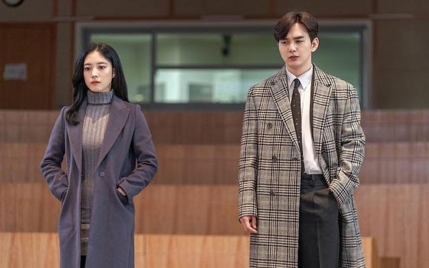6 phim Hàn chuyển thể từ webtoon hay nức nở: Tầng Lớp Itaewon, True Beauty làm cả châu Á chia phe chính - phụ - Ảnh 9.