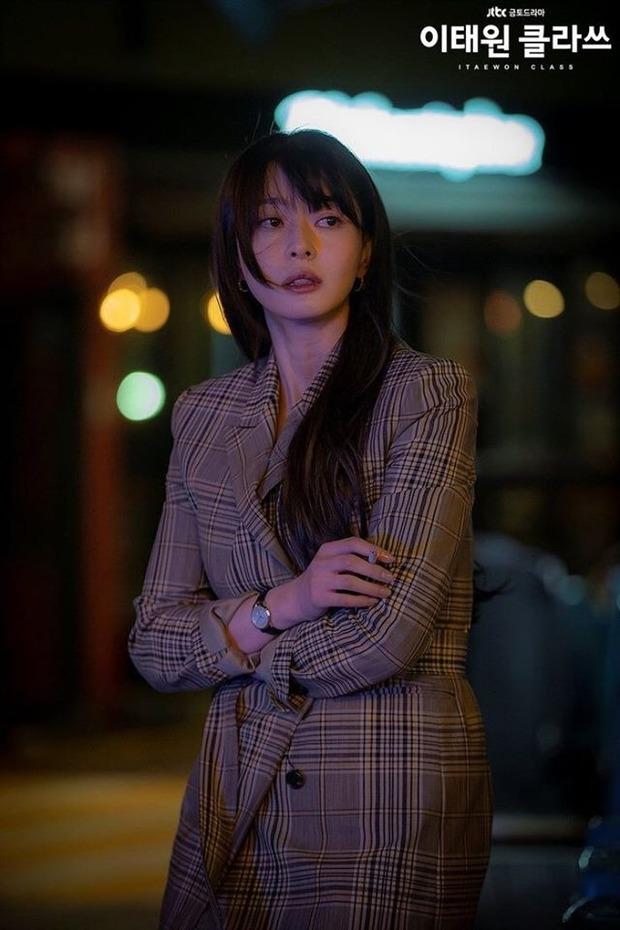 6 phim Hàn chuyển thể từ webtoon hay nức nở: Tầng Lớp Itaewon, True Beauty làm cả châu Á chia phe chính - phụ - Ảnh 4.