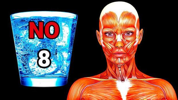 Việc uống nước nghe thì dễ nhưng có khá nhiều lầm tưởng, ai cũng từng mắc phải ít nhất 1 điều - Ảnh 3.