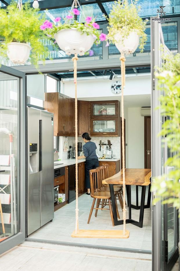 Nhờ đến 2 đội thiết kế, cặp vợ chồng có được ngôi nhà cưng như con, ngắm khu vực bếp mới hiểu vì sao - Ảnh 10.