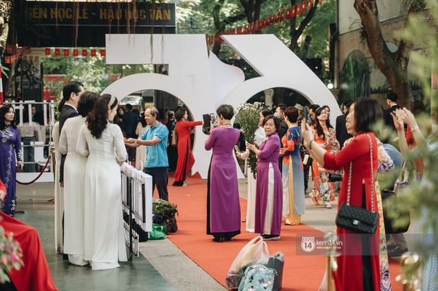 Trường Việt Đức kỷ niệm 65 năm: Đỗ Mỹ Linh xinh xuất thần, dàn khách mời khủng có Tuấn Hưng và thí sinh Rap Việt - Ảnh 15.
