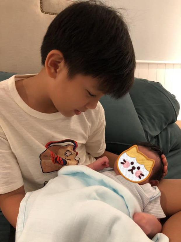 Đâu chỉ Đông Nhi, Đàm Thu Trang nay cũng bị cho ra rìa, phải đăng hẳn status than thở vì con gái... mê ba bất chấp - Ảnh 5.