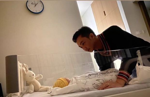 Đâu chỉ Đông Nhi, Đàm Thu Trang nay cũng bị cho ra rìa, phải đăng hẳn status than thở vì con gái... mê ba bất chấp - Ảnh 4.