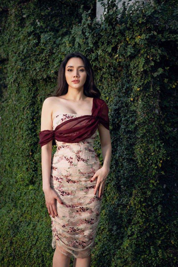 """Nhìn bộ ảnh nhà Trang Nhung là hiểu sức mạnh của """"gen trội"""": Nàng mẫu nóng bỏng, cháu gái từng thi Hoa hậu nổi bần bật - Ảnh 2."""