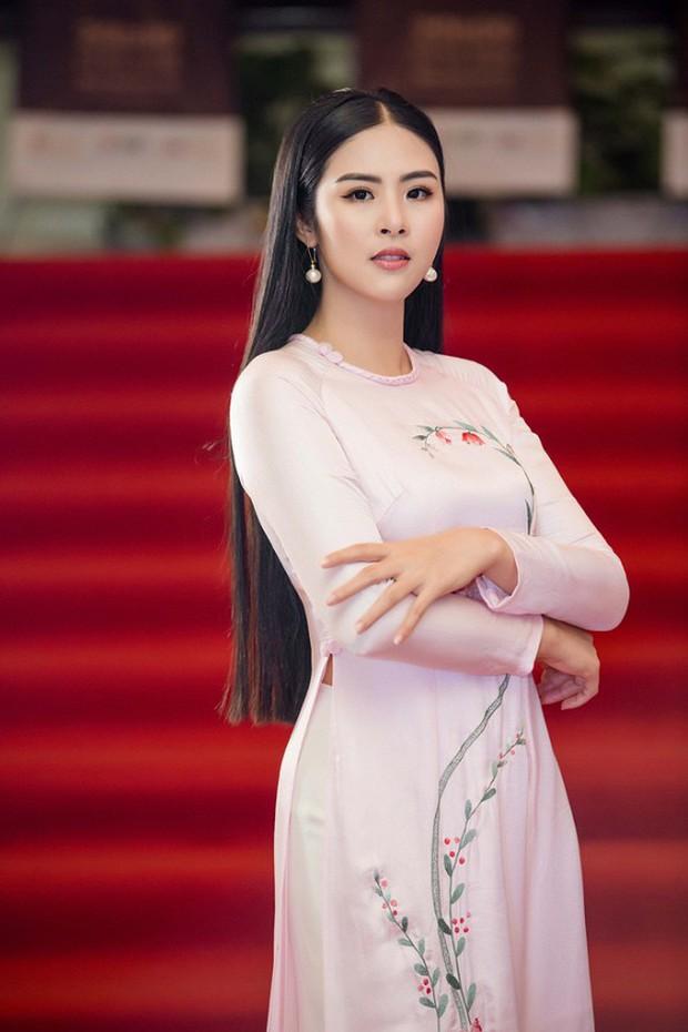 Hoa hậu Việt Nam đi học thế nào khi đương nhiệm: Người nhận bằng cử nhân xuất sắc, người phải học lại cấp 3, bí ẩn nhất là nàng hậu này - Ảnh 3.
