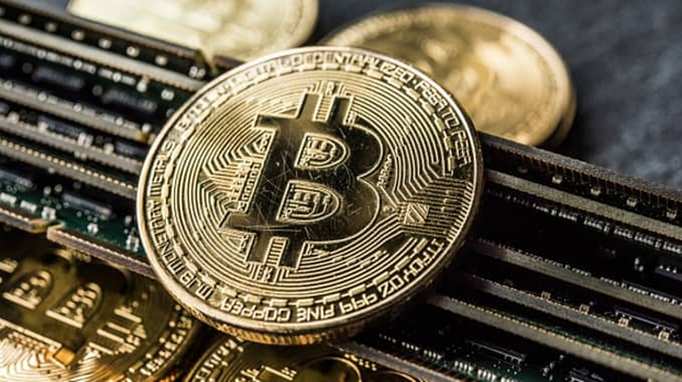 Bitcoin bất ngờ vượt ngưỡng 19.000 USD, nhiều dự đoán sẽ đạt mức 50.000 USD vào cuối năm - Ảnh 1.