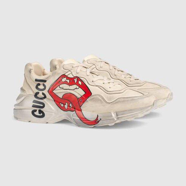Độ Mixi lại tiếp tục hí anh em xin offstream để đi đá bóng, nhưng điều gây xôn xao lại là đôi giày hiệu của Văn Toàn - Ảnh 5.