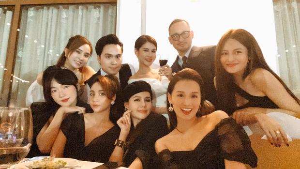 Việt Anh, cá sấu chúa Quỳnh Nga, Phanh Lee và hội bạn bè nổi tiếng quy tụ trong tiệc mời cưới của MC Thu Hoài - Ảnh 5.