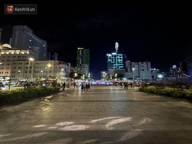 Ngắm Sài Gòn về đêm qua ống kính iPhone 12 Pro Max - Ảnh 3.