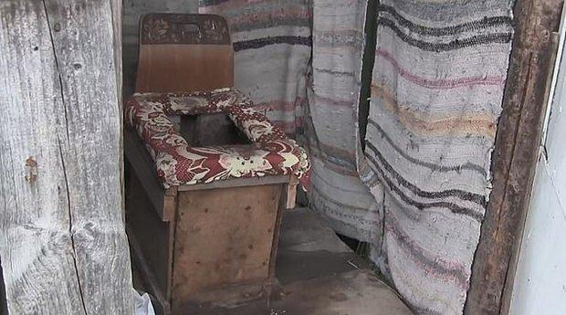 Thai phụ bất ngờ sinh con trong lúc đang ngồi toilet khiến đứa trẻ xấu số chết tức tưởi, hành động sau đó còn gây phẫn nộ hơn - Ảnh 1.