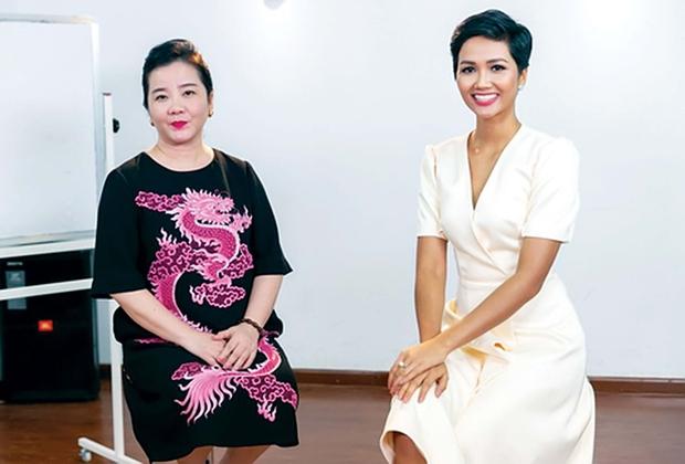 Hóa ra mẹ vợ của thiếu gia Phan Thành là giám khảo Hoa hậu Hoàn vũ VN với câu nói gây ám ảnh Trừ điểm thanh lịch! - Ảnh 8.