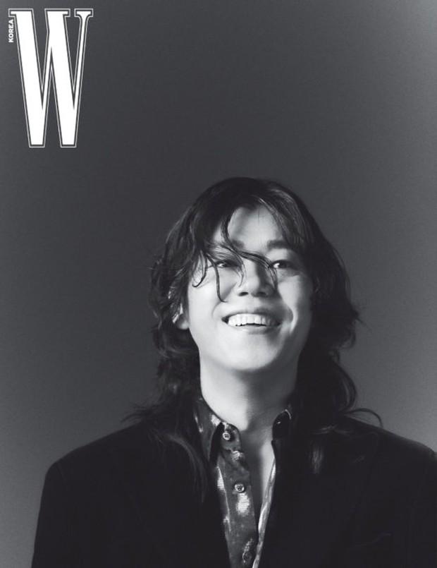 """Từng bị miệt thị """"xấu xí"""", nay chồng của Lee Hyori khiến dân tình """"ố á"""" khi lên tạp chí: Thần thái căng đét, bắp tay cuồn cuộn gây choáng - Ảnh 2."""