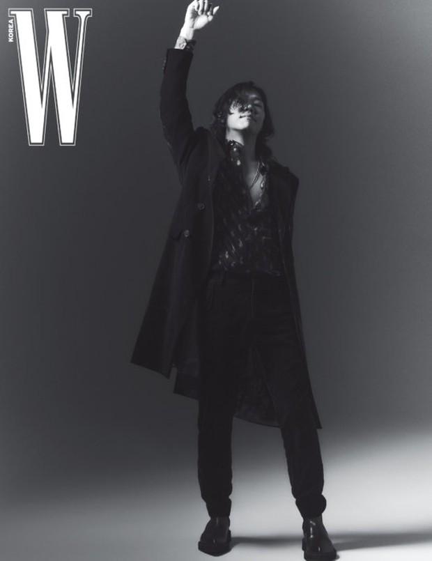 """Từng bị miệt thị """"xấu xí"""", nay chồng của Lee Hyori khiến dân tình """"ố á"""" khi lên tạp chí: Thần thái căng đét, bắp tay cuồn cuộn gây choáng - Ảnh 3."""