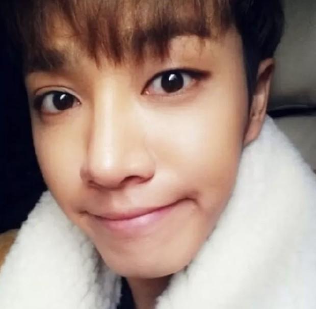 Khuyết điểm mắt không dìm nổi nhan sắc 6 idol này: V (BTS) đúng là gương mặt đẹp nhất thế giới, Yoona nổi là có lý do! - Ảnh 18.
