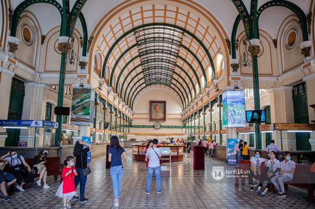 Các khu tham quan, mua sắm từng sầm uất nhất tại Sài Gòn ảnh hưởng ra sao bởi dịch Covid-19? - Ảnh 6.