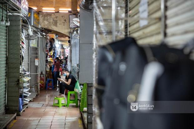 Các khu tham quan, mua sắm từng sầm uất nhất tại Sài Gòn ảnh hưởng ra sao bởi dịch Covid-19? - Ảnh 3.