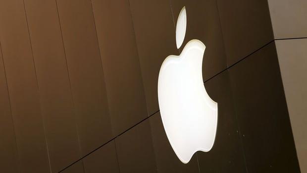 Giám đốc An ninh Apple bị cáo buộc hối lộ 200 chiếc iPad cho quan chức nhằm mua giấy phép sử dụng súng? - Ảnh 1.