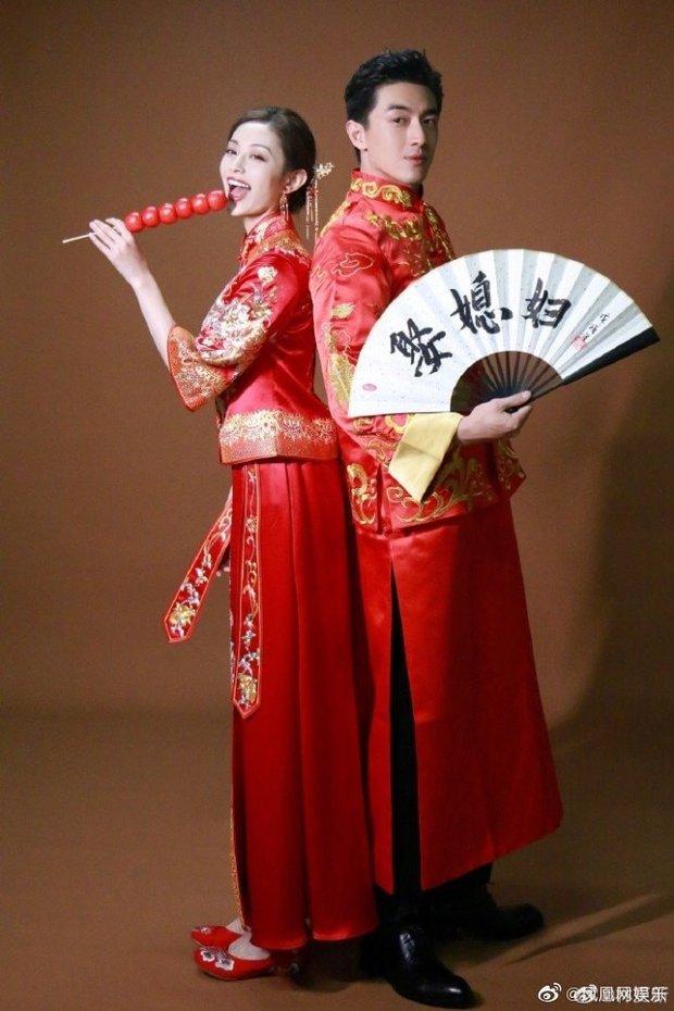 Cbiz thêm cặp đôi hot: Lâm Canh Tân bị tóm sống ôm chặt nữ đồng nghiệp, liên tục bày tỏ hành động mãnh liệt trên phố - Ảnh 8.