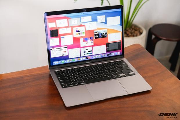 Chip M1 quá mạnh, người dùng lũ lượt rao bán MacBook chip Intel vì sợ mất giá - Ảnh 1.