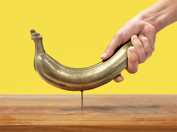 Khó tin những chiếc búa làm từ chuối thật ở Nhật: Đóng đinh vô tư, giá gần 3 triệu/chiếc - Ảnh 1.