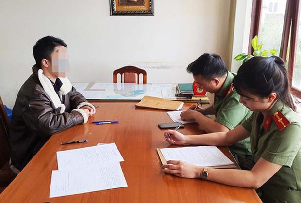Người mặc phản cảm, làm trò lố trên phố Đà Lạt bị phạt 7,5 triệu đồng - Ảnh 1.