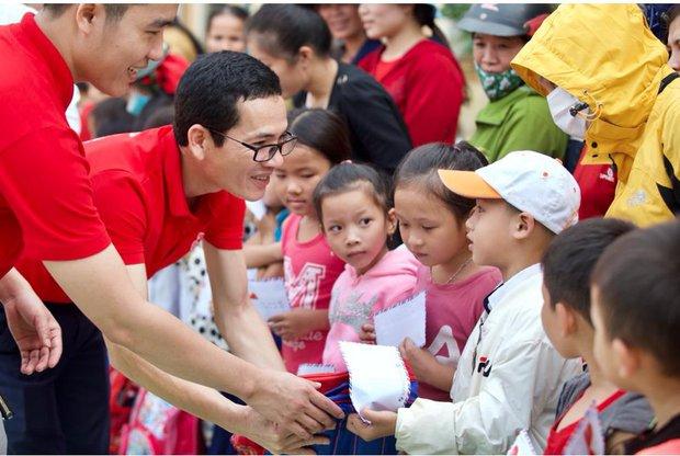 Một tinh thần đỏ Việt Nam, sát cánh bên miền Trung dựng xây lại cuộc sống sau lũ - Ảnh 3.