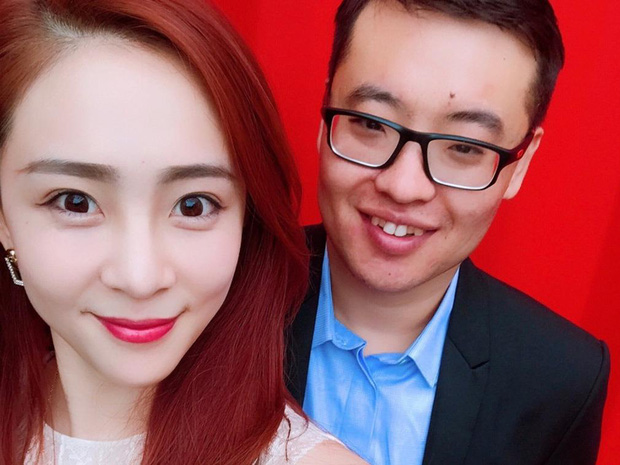 Nữ streamer xinh đẹp bị fan cuồng quá giàu dùng tiền để gây sự chú ý, kết quả là họ kết hôn luôn và cô cũng bỏ nghề stream - Ảnh 4.