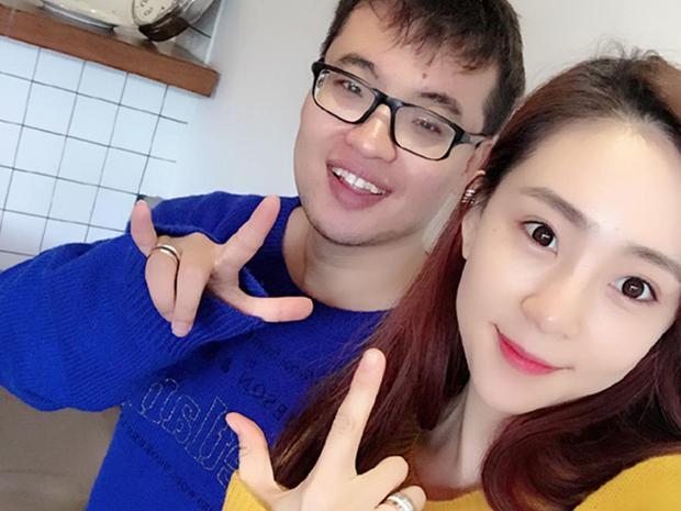 Nữ streamer xinh đẹp bị fan cuồng quá giàu dùng tiền để gây sự chú ý, kết quả là họ kết hôn luôn và cô cũng bỏ nghề stream - Ảnh 5.