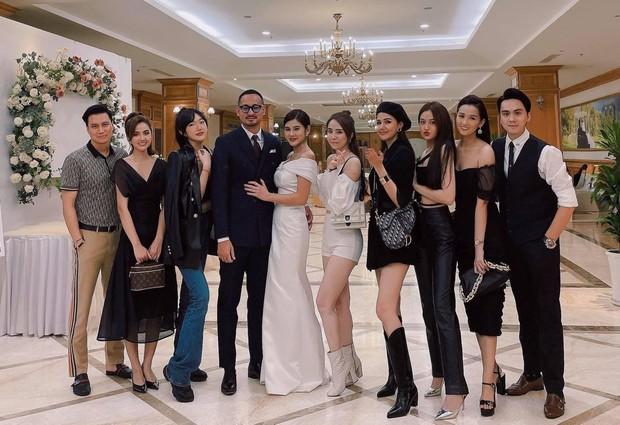 Hội sao Hà thành đọ visual tại đám mời cưới MC Thu Hoài: Phanh Lee đẹp chuẩn phu nhân hào môn, Việt Anh bất ngờ giữ khoảng cách với Quỳnh Nga - Ảnh 3.