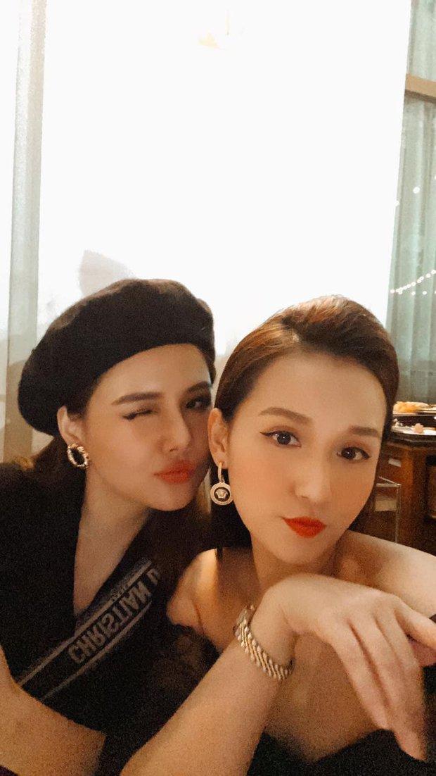 Hội sao Hà thành đọ visual tại đám mời cưới MC Thu Hoài: Phanh Lee đẹp chuẩn phu nhân hào môn, Việt Anh bất ngờ giữ khoảng cách với Quỳnh Nga - Ảnh 5.