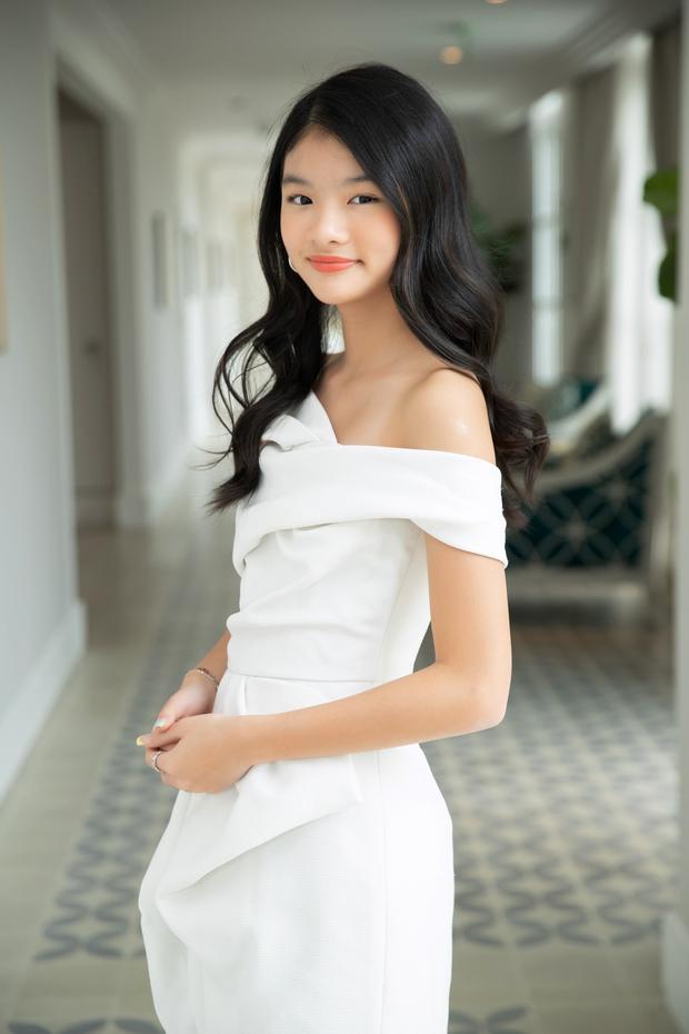Con gái Trương Ngọc Ánh bùng nổ visual trong bộ ảnh sương sương, mới 12 tuổi đã sở hữu đôi chân dài miên man - Ảnh 2.