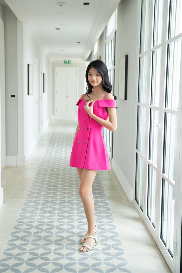 Con gái Trương Ngọc Ánh bùng nổ visual trong bộ ảnh sương sương, mới 12 tuổi đã sở hữu đôi chân dài miên man - Ảnh 5.